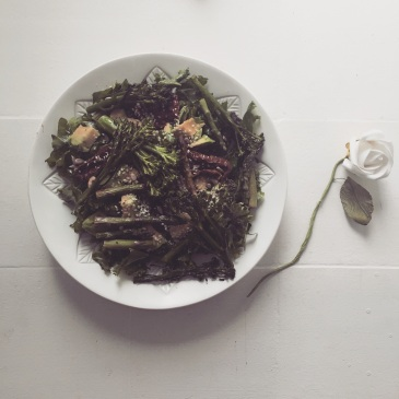 Kale, Asparagus and Sundried Tomato Salad